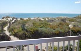 Appartement 4 couchages à 2 pas de la plage et superbe vue mer.