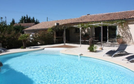 La villa Signargues est une villa typique provençale récente en rez-de-chaussée de 115m² sur 1700...