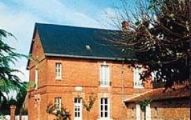 Gîtes de France - Gite communal dans le bourg, ancien logement de l'instituteur.