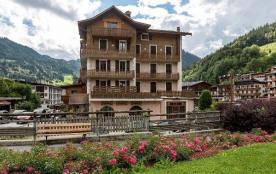 Résidence « Altitudes » de 7 appartements. Située dans le centre du village, à proximité des pistes de ski du Bossonn...