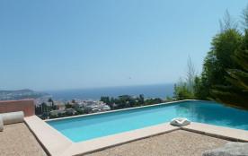villa contemporaine  magnifique vue mer, piscine privée, parking privé.