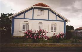 Villa à CHAILLEVETTE