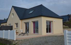 Villa avec superbe vue sur mer et à 200m de la plage de Porsliogan à Le Conquet