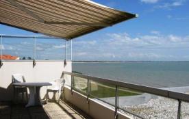 La Rochelle / Les Minimes, dans une résidence calme d'un seul étage sans ascenseur, Le Gulf Strea...