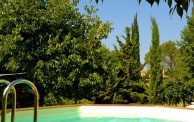 Villa Romaine/SPA avec chambre d'hôte.  Piscine, jardin, hammam, sauna, soins relaxants, yoga! - www.spa-prive-uzes.com