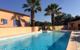 Mini-villa 39m2 type T2 avec piscine et parc arboré 3000m2 à 2kms de la mer