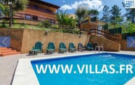 Villa CV SEND - Agréable villa avec piscine pouvant accueillir 13 personnes. Elle se trouve à 7 k...