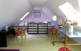 Maison bretonne dans petit port de pêche sud Finistere