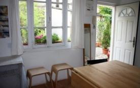 Charmant studio sur cour pavée