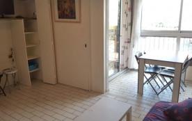 Quartier : Centre-Port - Type : Studio cabine