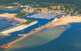 Vue aérienne de Hourtin Port