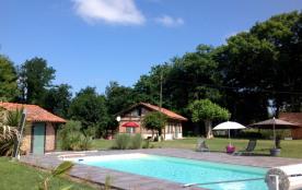 charmante maison landaise  avec piscine pour 6 a 8 personnes