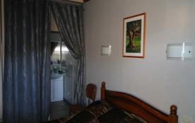 chambre 1 avec salle d'eau - lit en 140