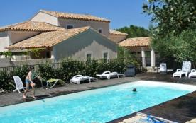 3 Gîtes avec piscine, entre Provence et Languedoc, au Sud de la France