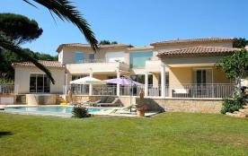 Villa de luxe avec piscine, jacuzzi au golf de St Tropez