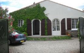 Villa 5 pièces de 100 m² environ pour 8 personnes, à 350 m de la plage et à 700 m du centre de la...