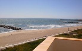 Quartier Lido et port, résidence directement sur la plage et à proximité des commerces, T2 4 plac...
