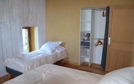 chambre lit 160 séparable et 1 lit 1 pers