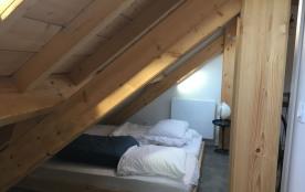 dortoir avec 4 lits