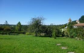 Maison indépendante située dans le bourg de Beaulieu-sur-Sonnette.