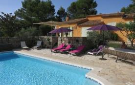 Il s'agit d'une magnifique et luxueuse villa située près du pittoresque village de Flayosc.