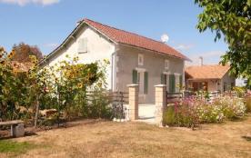 Detached House à SAINT BARTHELEMY DE BELLEGARDE