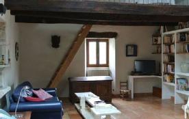 La mezzanine du salon, avec un lit supplémentaire