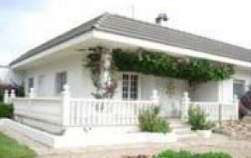 Villa indépendante, confortable et en plein pied située sur Amettla de Mar, une station balnéaire...