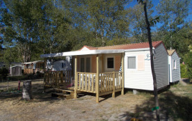 Mobile-home 4 couchages, 2 chambres, 1 lit 2 places et 2 lits individuels.