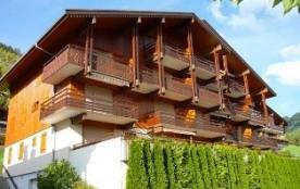 Appartement 2 pièces de 37 m² environ pour 6 personnes, la Résidence Le Cornillon B est située au...