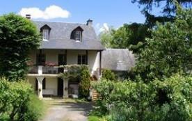 Vous séjournerez à 300 m du bourg de Laissac, renommé pour son marché bovin, premier plus grand m...