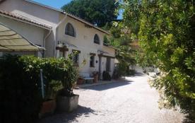 Villa locative -- entrée