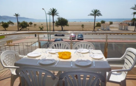 0086-BLAUCEL Apartamento en frente de la playa con piscinas comunitarias