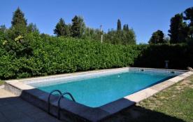 Villa West est une belle maison de vacances, située dans un environnement calme à la campagne à C...