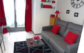 Coquet studio cabine 2*centre 200m thermes,WIFI,ch vacances
