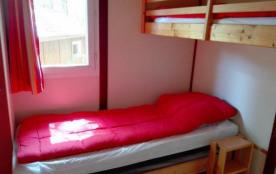 Camping LA TRUFFIERE à Saint Cirq Lapopie - CHALET CONFORT IDEAL POUR 1 FAMILLE AVEC 3 ENFANTS OU...