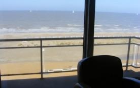 Appartement op zeedijk met frontaal zeezicht