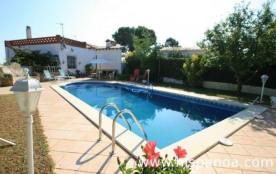 Villa en location à Lloret de Mar en Espagne située sur le haut du quartier Serra Brava sur la Co...
