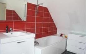 La salle de bain à l'étage