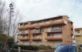 Appartement deux pièces - 4 personnes - 35 m² - deuxième étage - Traversant - Deux expositions - ...