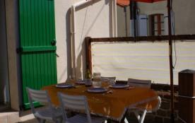 préparation du repas en terrasse