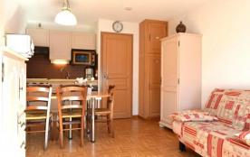Studio de 23 m² environ pour 4 personnes, la Résidence Le Cornillon B est située dans le centre d...