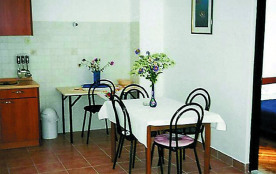 Appartement pour 2 personnes à Pakoštane