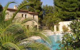 Jolie Maison Provençale avec Piscine et Jardin paysagé à Saint Cyr sur Mer