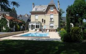 """Chambres d'hôtes """"Le pavillon de Nathalie"""" avec jardin et cadre agréable et reposant"""