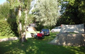 Notre camping est composé de 65 emplacements traditionnels comprenant : - 59 emplacements « nus » - 6 emplacements « ...