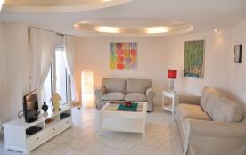 Superbe appartement Duplex 3 étoiles 105 m² vue mer et situation exceptionnelle.