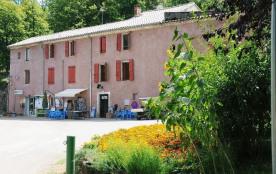 Camping Le Val de l'Arre, 135 emplacements, 35 locatifs