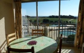 Studio situé dans une résidence avec piscine et tennis, appartement vue mer pour 4 personnes situ...