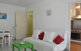 Juan les Pins (06) - Résidence Illiade. Appartement studio - 31 m² environ - jusqu'à deux personn...